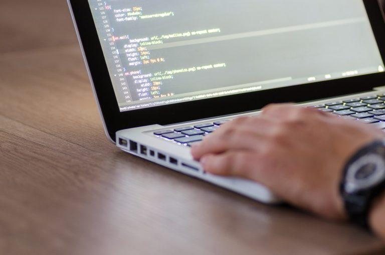 Kwalifikacje rynkowe szansą na zrównoważenie zapotrzebowania na kompetencje z obszaru TIK
