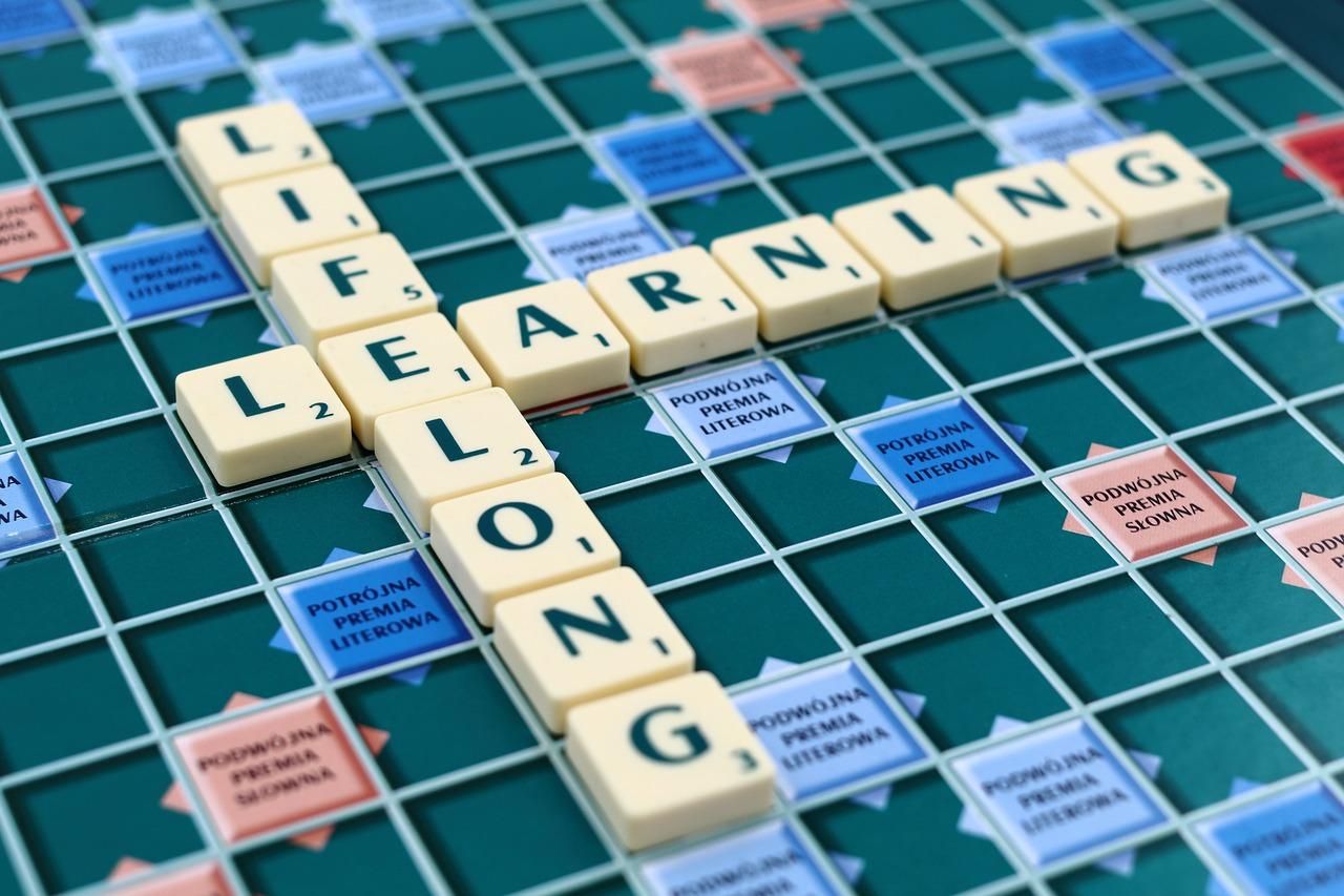 LLL. Idea uczenia się przez całe życie to odpowiedź na burzliwe czasy